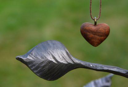 Kovaný strom na šperky