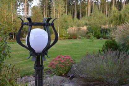 Kované zahradní světlo